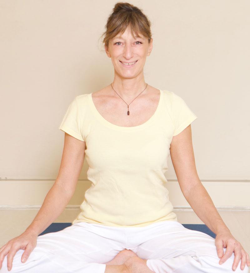 Laurenthia Buzzi Sivananda Yoga